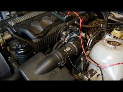 BMW E39 Датчик уровня охлаждающей жидкости.
