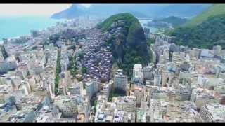 Voando sobre Copacabana - Rio de Janeiro - Brasil 4K