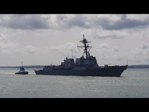 USS Farragut entering Portsmouth HMNB