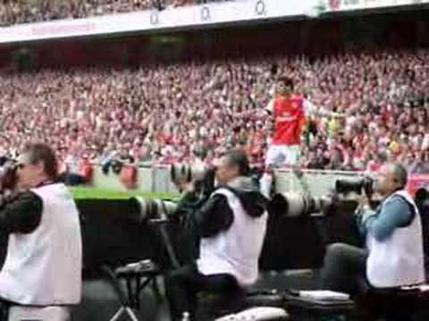Arsenal - Cesc Fabregas corner kick