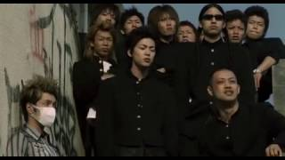 The opening song of the Amazing! Japanese movie Crows Zero.. I DO N...