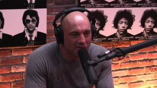 Joe Rogan with James Hetfield on the relationship Metallica has with one another & meeting FANS!