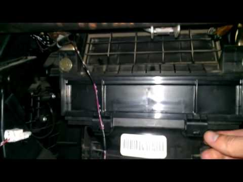 cabin air filter replacement on a 2006 nissan altima doovi. Black Bedroom Furniture Sets. Home Design Ideas
