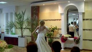Изумительный свадебный танец молодоженов. Студия
