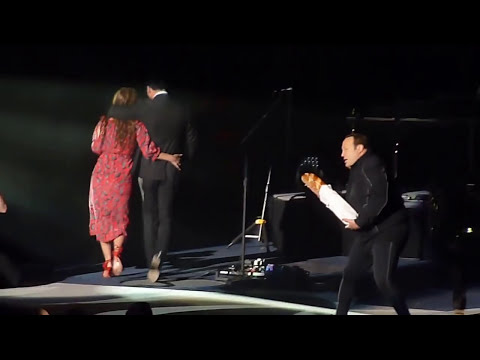 Kevin James, Leah Remini, Billy Joel