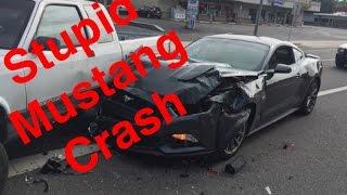 Mustang drift fail causes a crash ! Shuts down car meet !