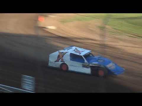 USRA B-Mod Heat 1 Upper Iowa Speedway 8/3/19