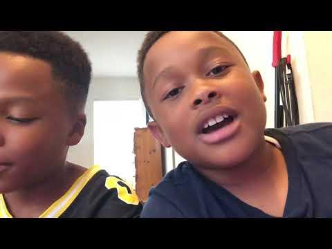 Reacting  to Da Rich Kidzz Hot Cheetos and Takis music video