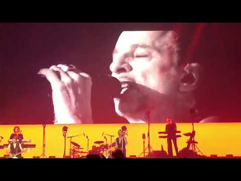 Depeche Mode - A Question Of Time @ Wizink Center (Madrid 2017)