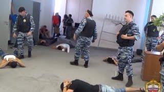 Мигранты обманули москвичей на 800 млн рублей, выдавая себя за экстрасенсов(, 2014-07-28T15:34:42.000Z)