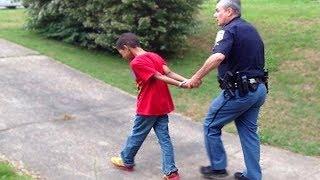 ילד בן 8 הולך לכלא בגלל שגנב סוכריה..