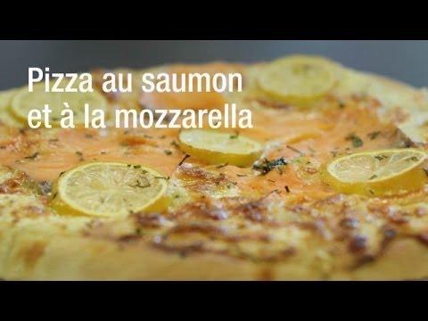 recette-de-la-pizza-au-saumon-et-à-la-mozzarella
