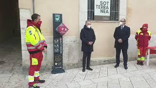 La donazione del defibrillatore in piazza Duomo