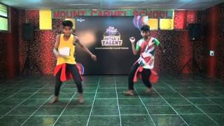 "Dance on ""Main Khiladi Tu Anadi"" By Krishna & Dev"
