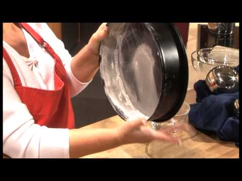 Backform einfetten - Fetten von runden Backformen -  Torten Rezepte