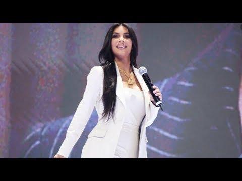 Ким Кардашьян на Форуме WCIT-2019