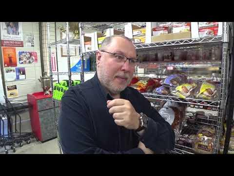 США: Русский магазин - как много в этом слове для сердца русского слилось-как много в нем отозвалось