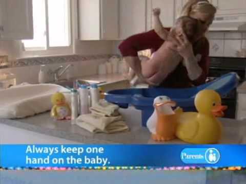 Tắm cho bé sơ sinh như thế nào?