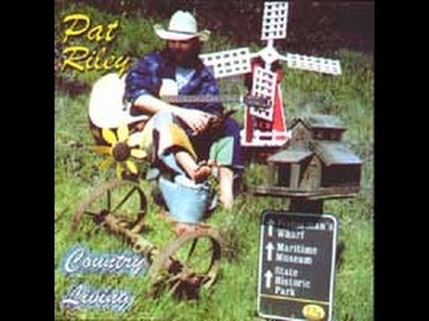 COUNTRY LIVING - Music Album - Pat Riley