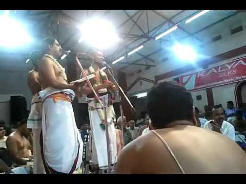 002 raja gopala - Divyanaamam by Sri Sattanatha Bgagavathar@ kalpathy Bhajanotsavam 2011