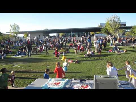 """Jacob Tovar & The Saddle Tramps - """"Drivin' Nails"""" - Guthrie Green - 10/25/15"""
