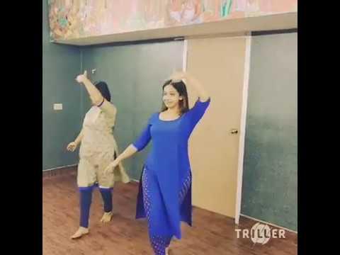sowbhagya with thara kalyan dance practice in home സൗഭാഗ്യയും താര കല്യാണിന്റെയും ഡാൻസ് പ്രാക്ടീസ്