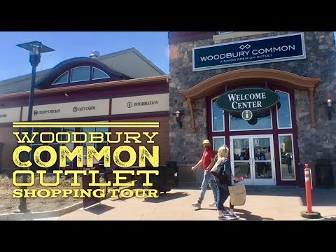 Best Shopping New York: Woodbury Common Premium Outlet Stores Walking Tour