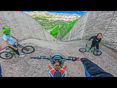 ELECTRIC DIRT BIKE VS BMX AND MTB HILLBOMB RACE