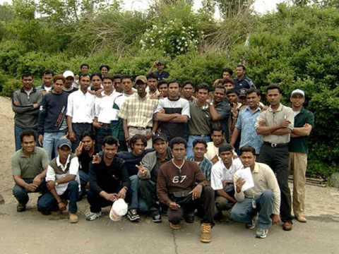 SRI LANKANS,FIRST TEAM TO SAMSUNG HEAVY INDUSTRY