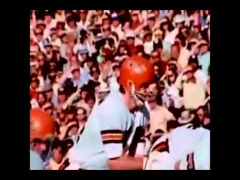 Ken Anderson belongs in the Pro Football Hall of Fame By: Bob Trumpy and Dave Lapham Part 1 of 2
