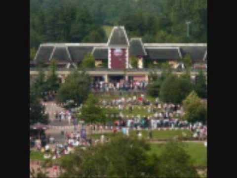 Alton Towers Towers Street area music loop part 1