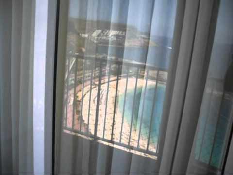 Vista De La Playa De Amadores Desde La Terraza De Un Hotel Cercano Mayo Del 2010