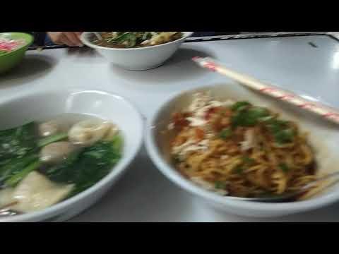 Kuliner Bandung Makanan Khas Bandung Tempat Makan Enak Di Bandung Youtube