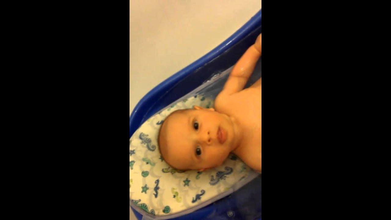 Download Aliya's baby bath