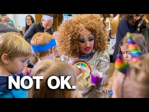 Drag Queen Clown Entertains Small Children In Brooklyn New York Library (REACTION)