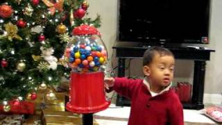 Aiden gets a Gumball machine xmas 08