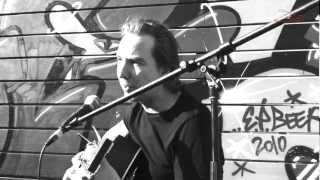 "Olli Schulz ""Spielerfrau"" || Knust Acoustics TV"