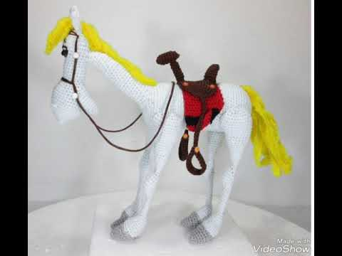 Heidi the Horse Free Amigurumi Pattern | Jess Huff | 360x480