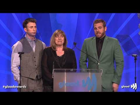 Chris Evans, Scott Evans, and Mom at the glaadawards