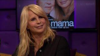 Emotionele Linda openhartig over zieke moeder - RTL LATE NIGHT