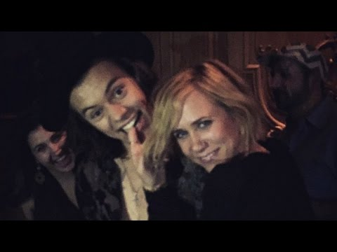 Thumbnail: Harry Styles & Kristen Wiig Dance to Dirty Dancing at SNL After Party!