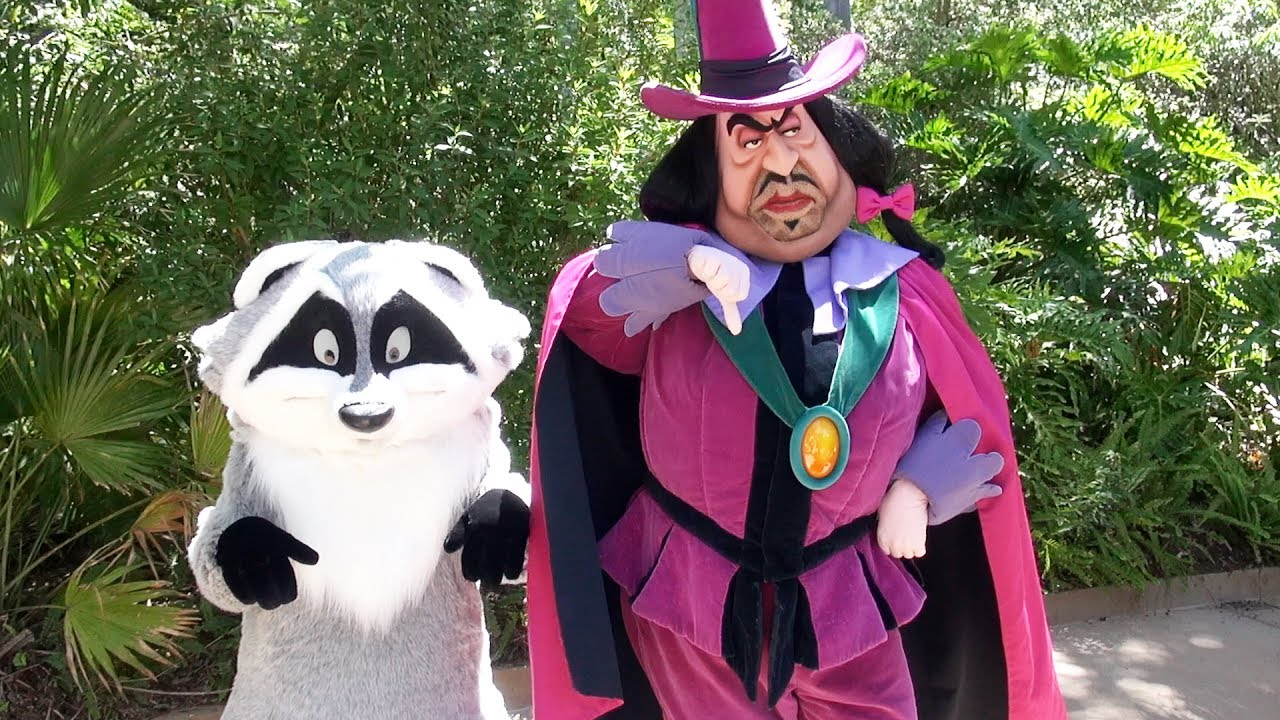 Governor Ratcliffe & Meeko Surprise Meet And Greet Outside
