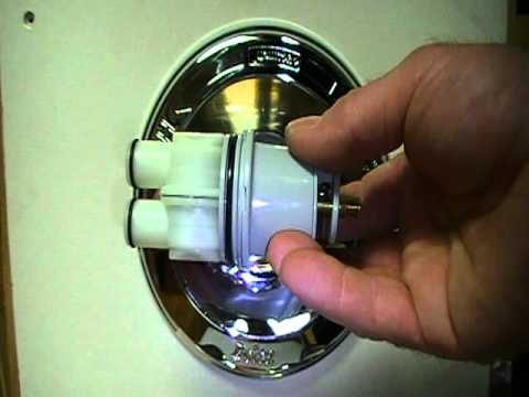 Repairing a leaky delta bath or shower faucet single lever and setting temp youtube Leaking delta bathroom faucet
