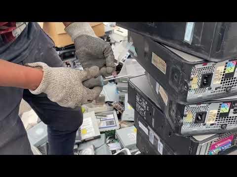 Destrucción Campus Guadalupe, computadoras, discos duros, proyectores y mas..