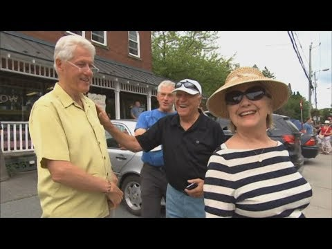 Download Youtube: Bill and Hillary Clinton window shopping in Quebec town