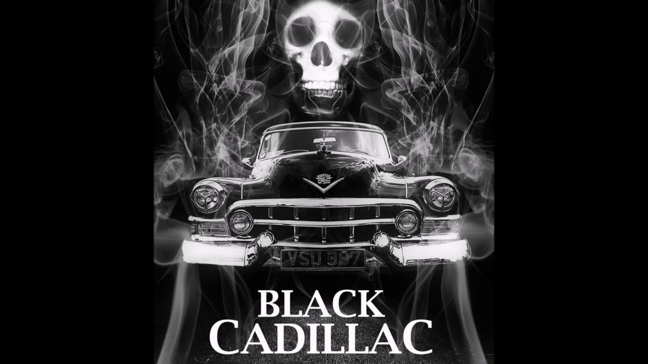 Movie driverless black car — img 1