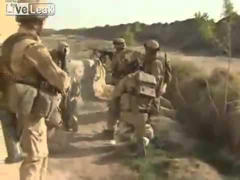 LÍNH ANH ĐANG ĐÁNH NHAU VỚI TALIBAN