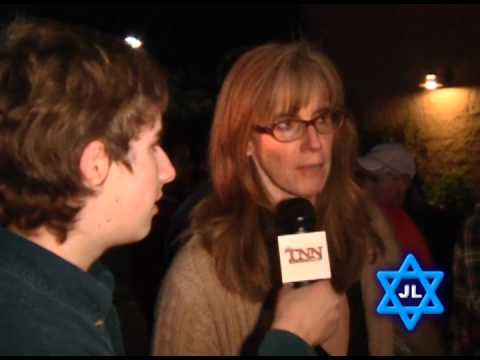 Jewish Life - Chanukah at the Mall Santa Barbara 2011