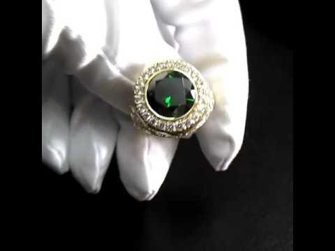 Золотой перстень с изумрудом и бриллиантами (Вес 12 гр.) Арт I3327