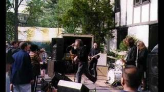 Guided By Voices - Running Off With The Fun City Girls